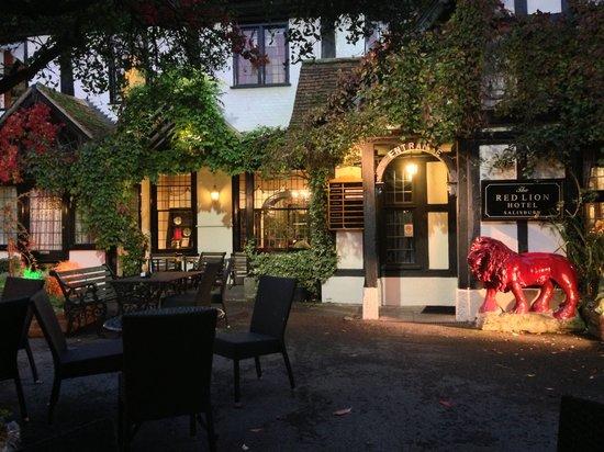 The Vine Restaurant: Courtyard