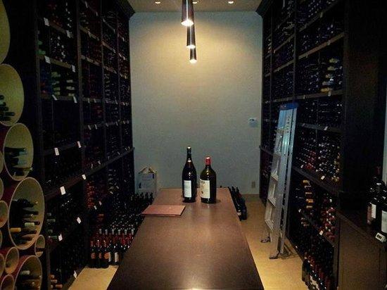 Verdicchio Ristorante   Enoteca: Wine room