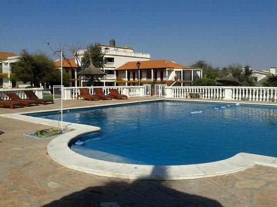 El Cortijo Apart-Hotel & Spa: La piscina