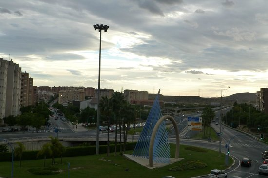 NH Alicante: The slip road to a very busy motorway