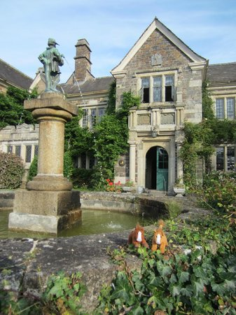 Lewtrenchard Manor: Travelling ponies enjoy the manor