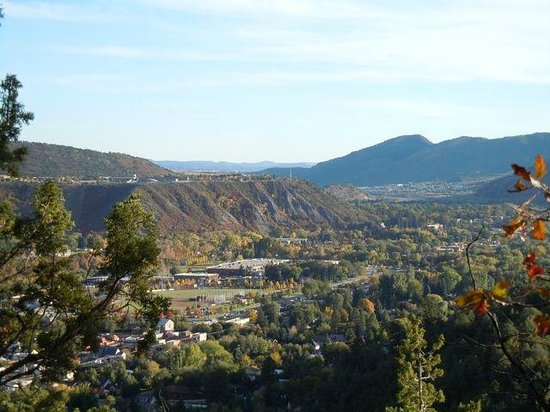 Quality Inn Durango: Distant view of motel