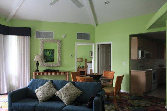Holua Resort at The Mauna Loa Village: huge living room