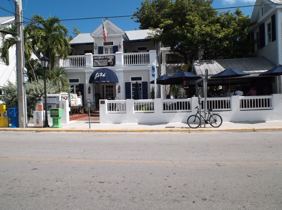 La Te Da Hotel : The front of La Te Da on Duval St.