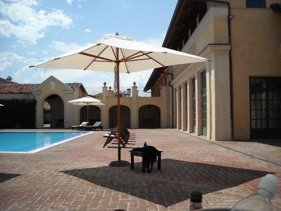 Sina Villa Matilde: zona piscina