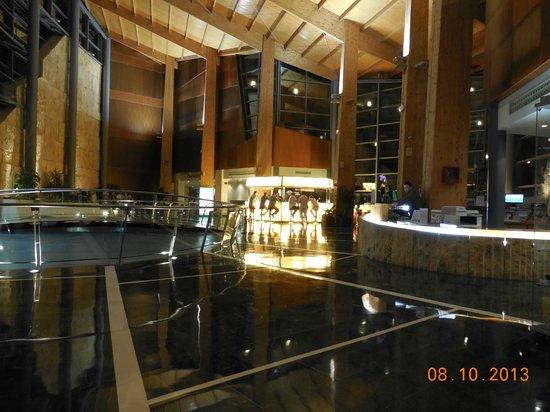 Protur Roquetas Hotel & Spa: Bar Meeting Point