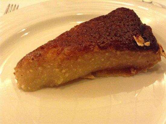Doca Peixe: Dessert (Almond Caramel Cake)