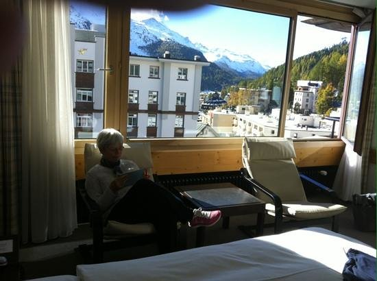 Hauser Hotel St. Moritz: The room with a town and mountain view