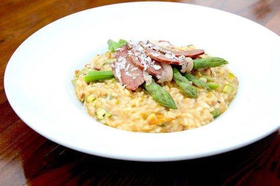 Restaurant Novello : Risotto, magret de canard & asperges