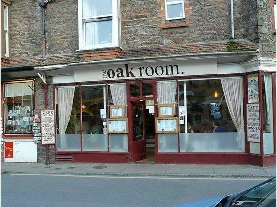 The Oak Room: front view KS H