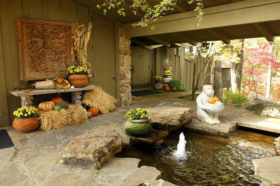 Red Apple Inn and Country Club: breezeway