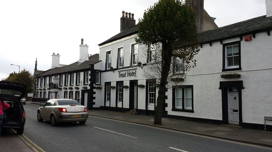 The Trout Hotel: Hotel exterior on Main Road