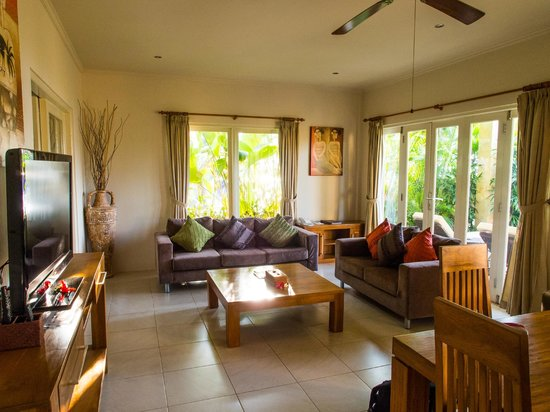 The Lovina: living room