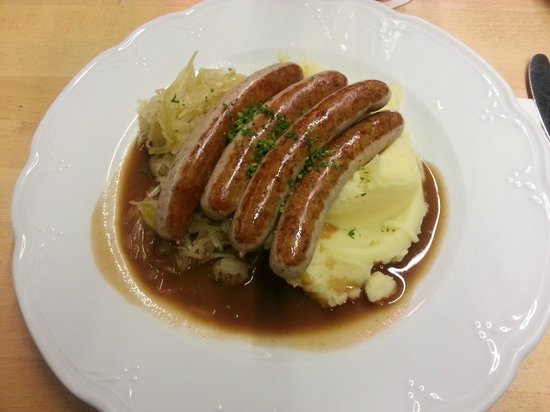 Maximilians Berlin: Münchner sausages with Kräuter and mashed potatoes