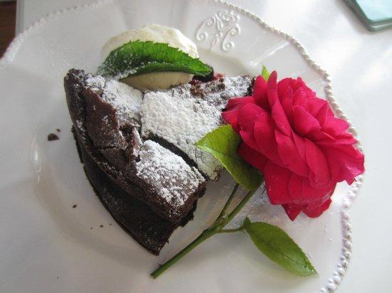 Melrose House Cafe: Super leckerer Schokoladenkuchen