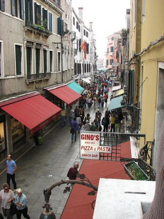 Hotel Nazionale: view of the street from our room