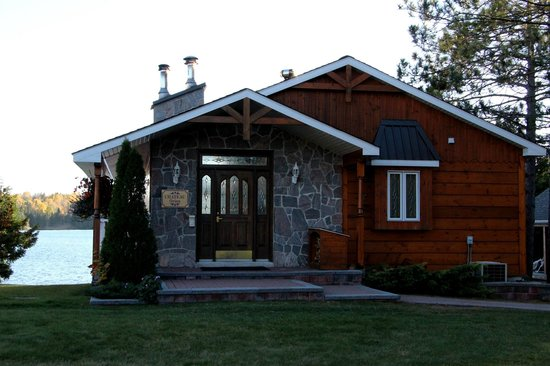 Couples Resort - Galeairy Lake