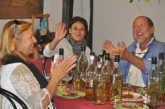 Agriturismo Ca' de Na: Enjoying the homemade grappa's with the chef at meals end....