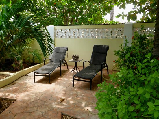 Wonders Boutique Hotel : Private pool lounges