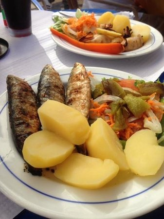 Solar Do Castelo: grilled sardines!!!