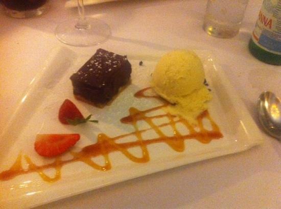 La Forchetta: chokolade ganache med vanilleis