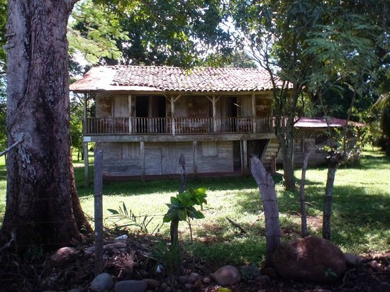 Puntarenas Private Tours: little country place