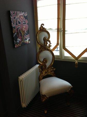 Hotel Villa Mazarin: Hallway Chair