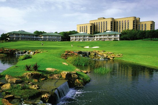 Four Seasons Resort and Club Dallas at Las Colinas: TPC Four Seasons 18th hole