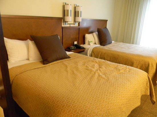Hyatt Place Charleston Airport and Convention Center: Beds