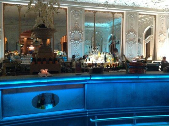 Bayerischer Hof Hotel: Bar
