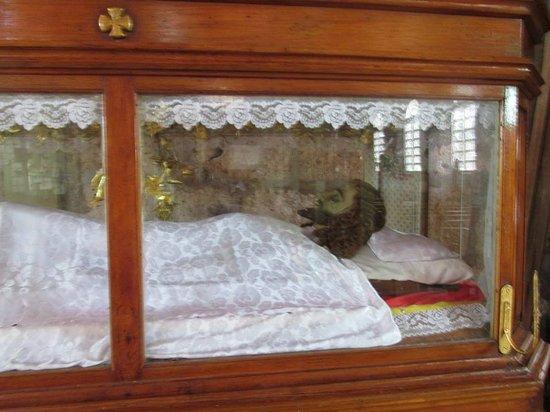 Culion, Filipinas: Aufbahrung eines Misionares der damaligen Leprakolonie.