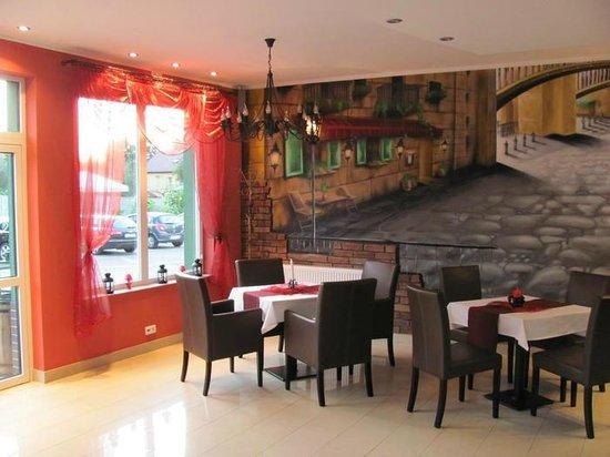 Apartamenty Energo: Club de Paris - restaurant & bar