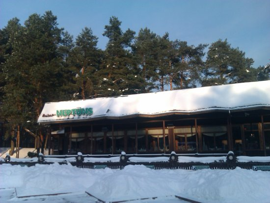Restaurant Neptuns: Nice walk or country skiing in winter