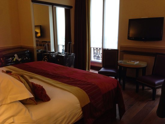 Hotel Edouard 7: our room