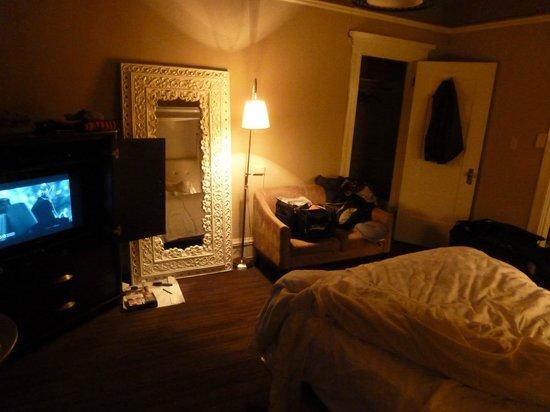 Steinhart: room