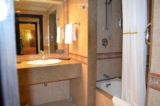 Trajes de ba o nuevo vallarta for Habitacion familiar hotel riu vallarta
