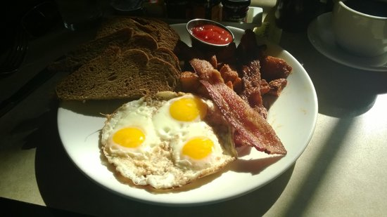 Kimpton Angler's Hotel : 3 Eggs and Bacon