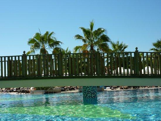 Crystal Palace Luxury Resort & Spa: Pool