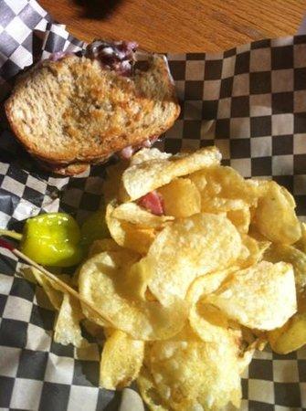 U Street Pub & Eatery : yummy pastrami