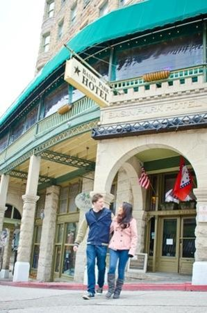 1905 Basin Park Hotel: Spring Street