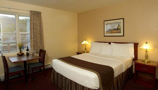 Scott's Inn and Restaurant - Kamloops: Queen Room