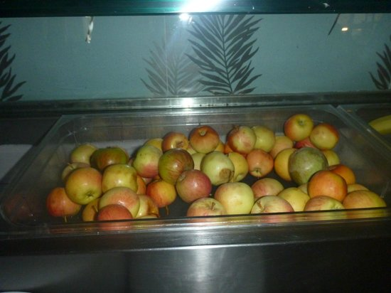 Ascos Coral Beach Hotel: Rotten Apples at breakfast