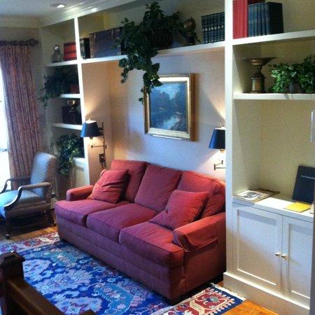 Grey Fox Inn & Resort : Great sitting area/family area