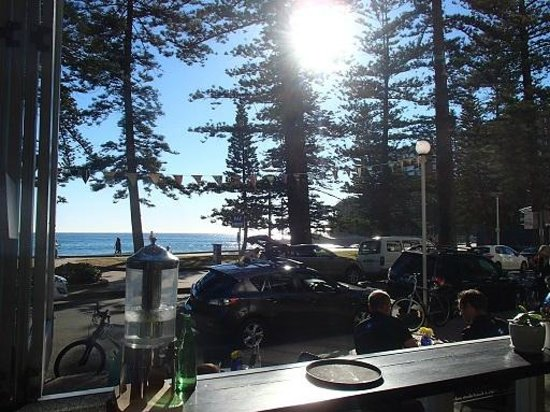 Manly Wine: Good view, poor restaurant
