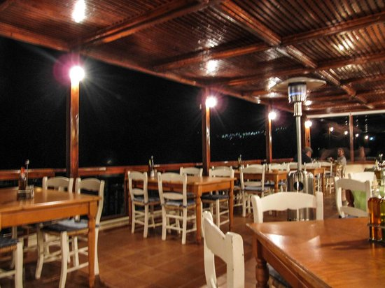 Mirthios, Grèce : How the taverna looked like 4 years ago