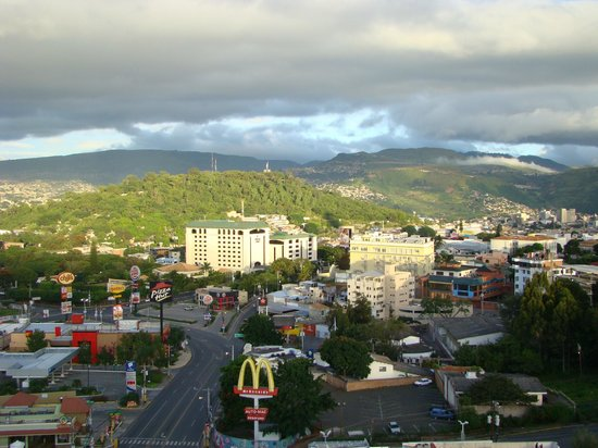 Tegucigalpa Marriott Hotel: looking west in the early morning