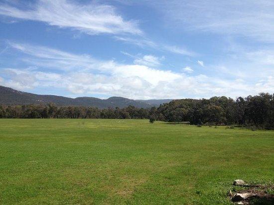 Blaze Rock Retreat: Stunning views of the Grampians ranges.