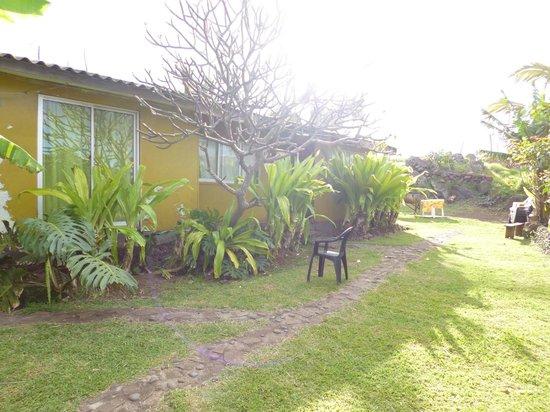 Ana Rapu Guest House: vista fuera habitacion