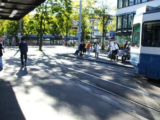 Schwamendingerplatz: Transport transfer station