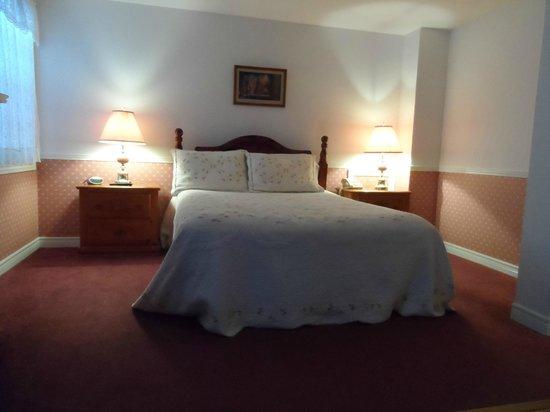 Canterbury Inn: Our room